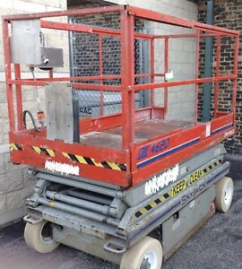Skyjack 4620 Electric Scissor Lift 20 Platform 26 Working Height Year 1998