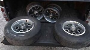1980 s 14 5 Lug Oldsmobile Rally Rims Stock Nice One Good Tire Good Shape