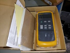 New Fluke 714 Thermocouple Calibrator