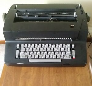 Black Ibm Correcting Selectric Ii Typewriter W Supplies Letter Balls