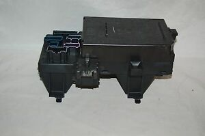 2003 2006 Navigator Expedition Under Dash Fuse Relay Box 5l1t 14a067 ac A525