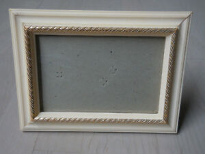 Vintage 7 3 4 X 5 3 4 Good Quality Cream Color Wooden Picture Frame W Glass