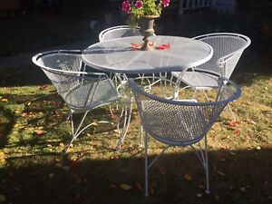 Russell Woodard Vintage Mesh Patio Set 4 Arm Chairs And Table
