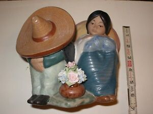Vintage Nadal Girl And Boy With Sombrero Hat Figurine