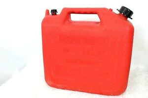 Wedco Essence 5 Gallon Vented Gas Can Red With Spout W520