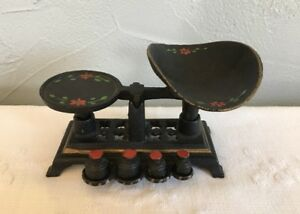 Vintage Cast Iron Miniature Balance Scale W Weights Hand Painted Complete