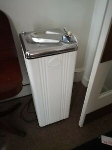 Vintage Oasis Drinking Fountain Model 7p