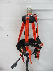 Safewaze Lineman s Fall Protection Gear Safety Harness Ameba 1311 xl Used