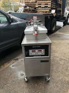 Henny Penny Pressure Fryer Gas Computron 1000