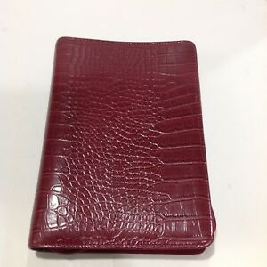 Franklin Covey Classic Red Simulated Leather Aligator Pattern Day One Planner