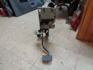 04 Chevy Colorado Brake Pedal Assembly Steering Column Mount Bracket