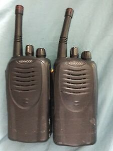 Kenwood Tk 3160 Uhf Portable Two Way Radio 2 Pack