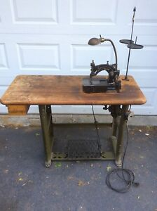 Union Special 1800 Aa Sewing Machine With Belt Drive Great For Denim