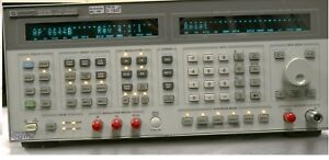 Hp Agilent 8644b 0 26 2060 Mhz Synthesized Signal Generator Option 001