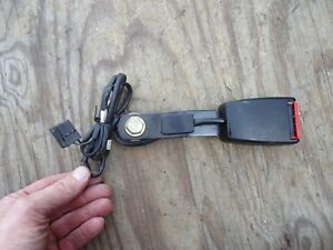 Volvo 740 760 940 Seat Belt Receiver Right Front Seat 88 91 740 88 90 760