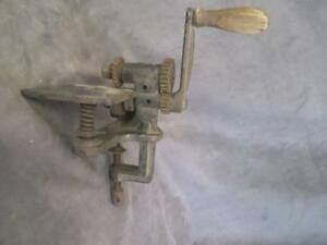 J2 Antique Cast Iron Pinking Machine With Mount Wood Handle