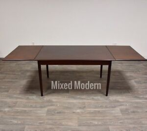 Brazilian Rosewood Danish Modern Dining Table Mid Century Draw Leaf
