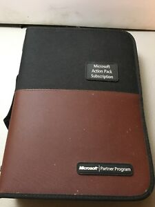 Microsoft Action Pack Subscription 4 D ring Binder With 57 Cd dvd Sleeves