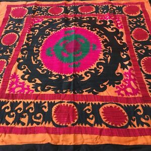 Medium Hand Embroidered Uzbek Vintage Wall Decor Tablecloth Suzani