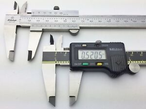 Mitutoyo 0 4 Digital 0 6 Vernier Caliper Set With Cases 500 195 530 104 Nice