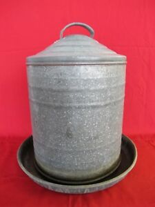 Vintage Chicken Goose Duck Waterer 3 Gallon Galvanized Metal Lightly Used