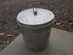 Vintage 1990 S Six Gallon Galvanized Metal Ash Pail Locking Lid Local Pick Up