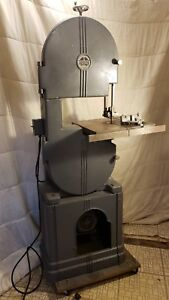 Antique Walker Turner Cast Iron Band Saw In Excellent Condition