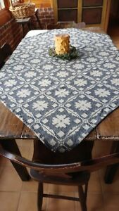 New Family Heirloom Weavers Throw Or Table Square Fancy Snowball Pattern