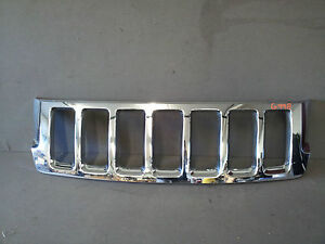 2011 2012 Jeep Grand Cherokee Front Chrome Grille