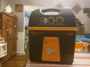 New Gallagher B100 Solar Powered Fence Charger Fencer Energizer 60acres 7miles