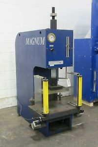 24 1 2 Ton Magnum Hydraulic Press Bench Model C frame