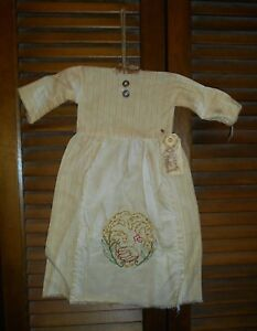 Grungy Wall Dress W Hanger Primitive Decor Embroidered Chicken And Wheat Wreath