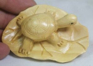 Chinese Handwork Carving Lovely Cat Old Boxwood Netsuke