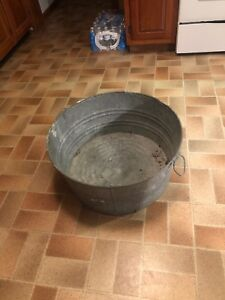 Vintage Galvanized Metal Wash Tub The Big One 24 Dia By 11 1 2 Tall No Leaks