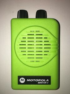 Motorola Minitor V 5 Low Band Pagers 45 49 Mhz Nsv 2 channel Apex Green