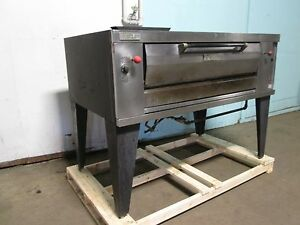 Vulcan Hustler Heavy Duty Commercial Natural Gas Stone Deck Pizza Oven