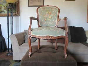 Gorgeous Vintage 1770s French Provincial Louis Xvi Hand Carved Arm Chair