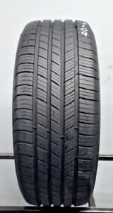 One Used 235 55r17 2355517 Michelin Defender 9 32 J109
