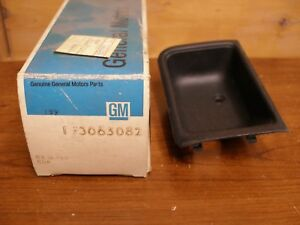 1978 1987 Gm Nos Chevrolet Monte Carlo Cutlass Front Door Handle Cup Hurst Olds