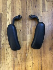 Herman Miller Aeron Adjustable Arm Rests With Pads Size C Lh Rh Pre Owned