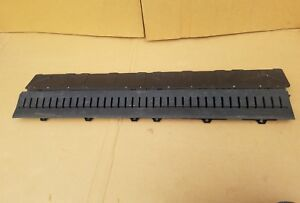 02 03 04 Avalanche Cadillac Escalade Ext Mid Gate Drain Grate Midgate Flap 02 13