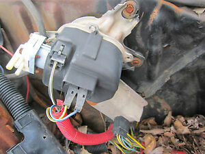 78 84 Chevrolet Gmc Wiper Motor With Washer Pump Core Un Tested Needs Rebuild