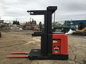 2007 Raymond Order Picker 3000lb Cap 210 Lift 42 Forks w battery