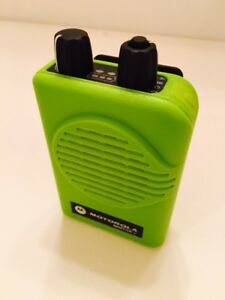 Motorola Minitor V 5 Low Band Pagers 33 37 Mhz Stored Voice 2 chan Apex Green