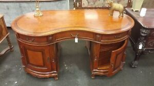 Executive style Kidney Desk