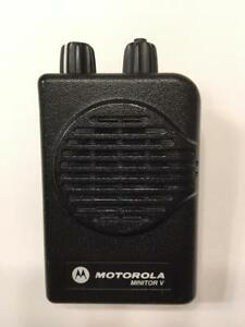 Motorola Minitor V 5 Low Band Pagers 33 37 Mhz 2 frequency Stored Voice