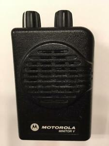 Motorola Minitor V 5 Low Band Pager 45 49 Mhz 2 channel Non stored Voice