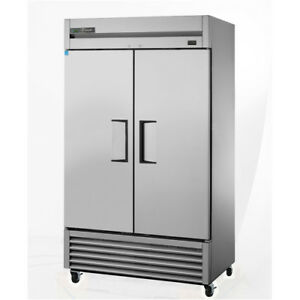 True T 43f True Reach in Freezer 2 Door 43 Cu Ft