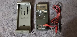 Fluke Multi meter 77 With Probes Protective Case Working Test Meter Ohm Volt