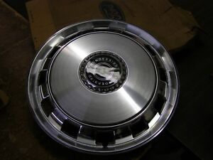 Nos Oem Ford 1970 1971 Thunderbird Wheel Cover 15 Hub Cap